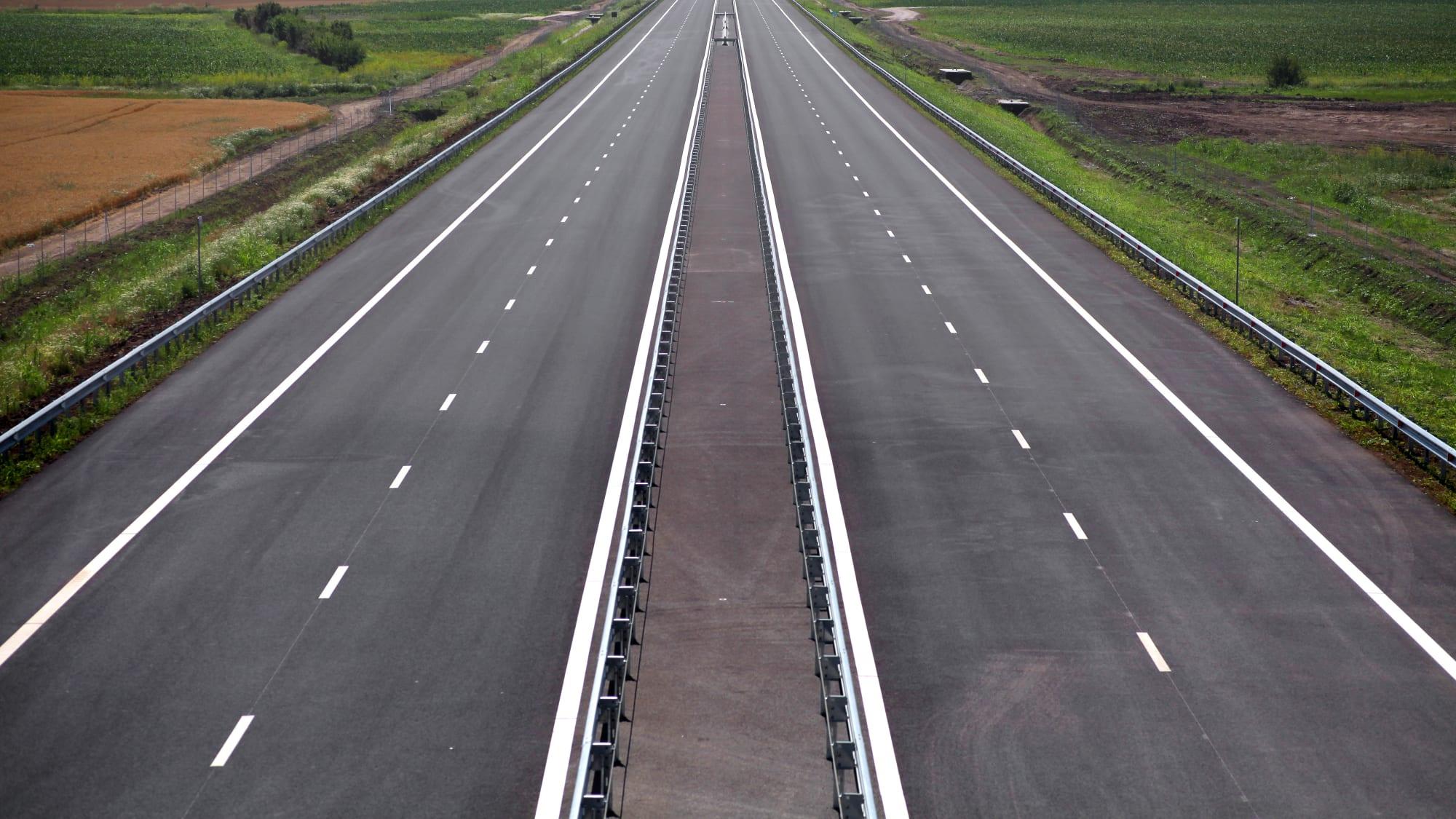 neu eröffnete Autobahn