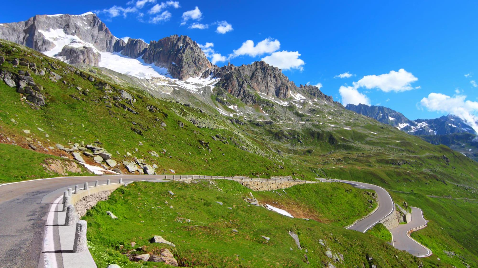 Furkapass Alpenstraße in den Schweizer Alpen