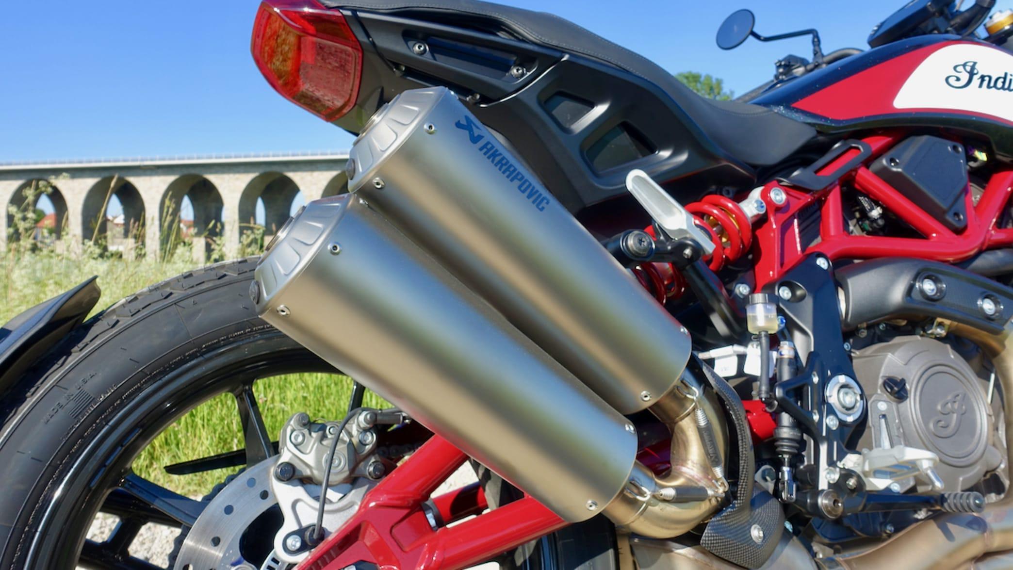 Auspuff eines FTR 1200 S Motorrad