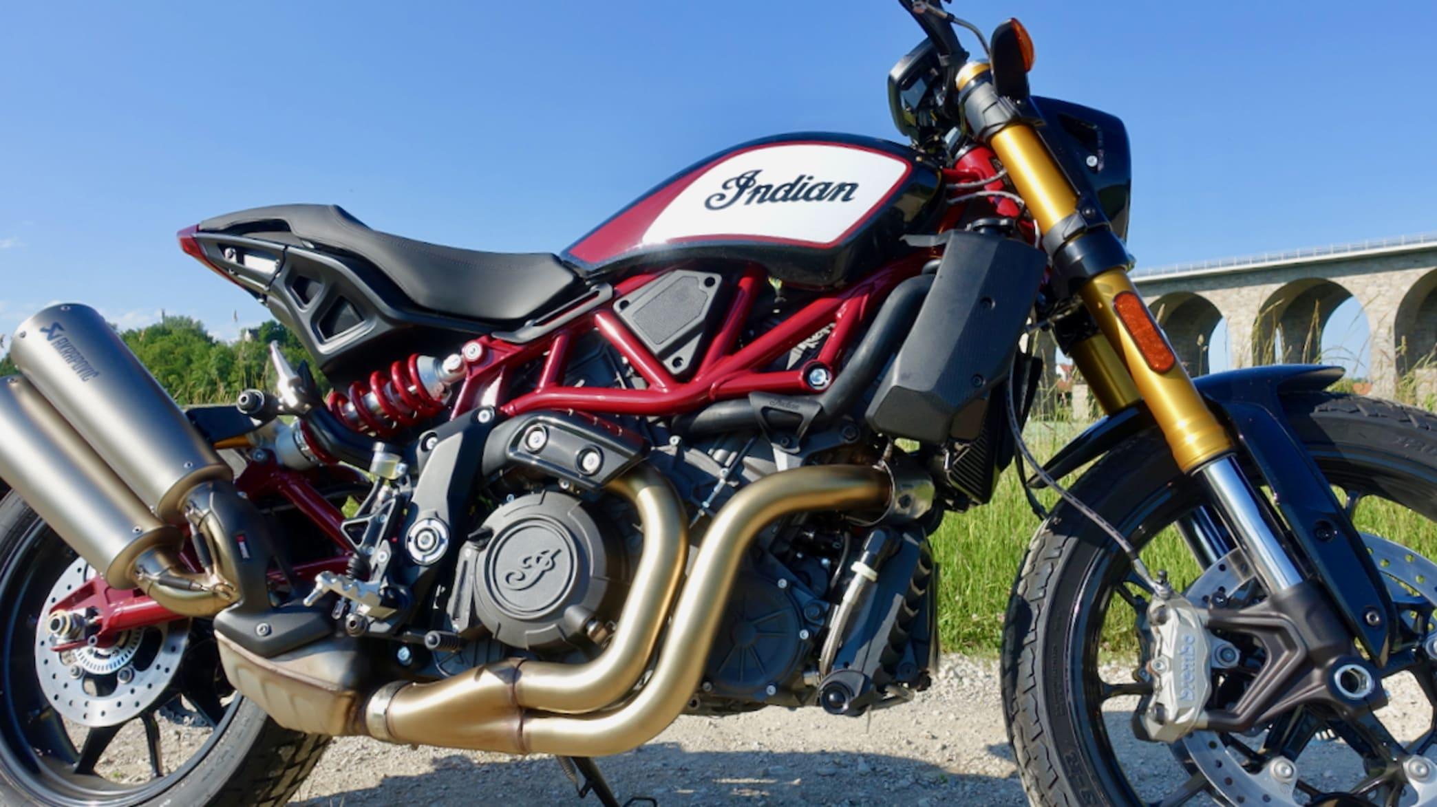 Seitliche Detailansicht eines FTR 1200 S Motorrad