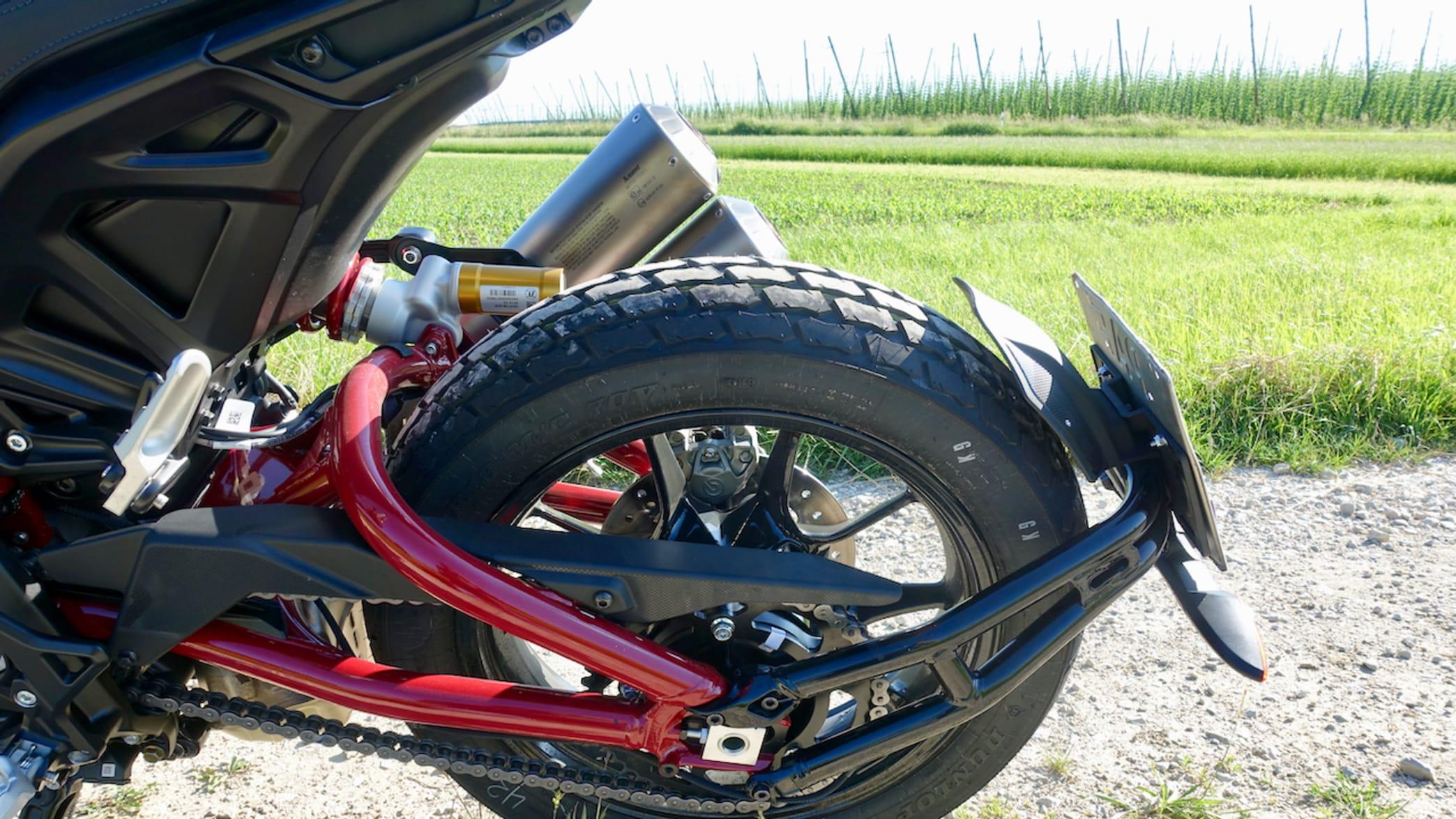 Hinterrad eines FTR 1200 S Motorrad