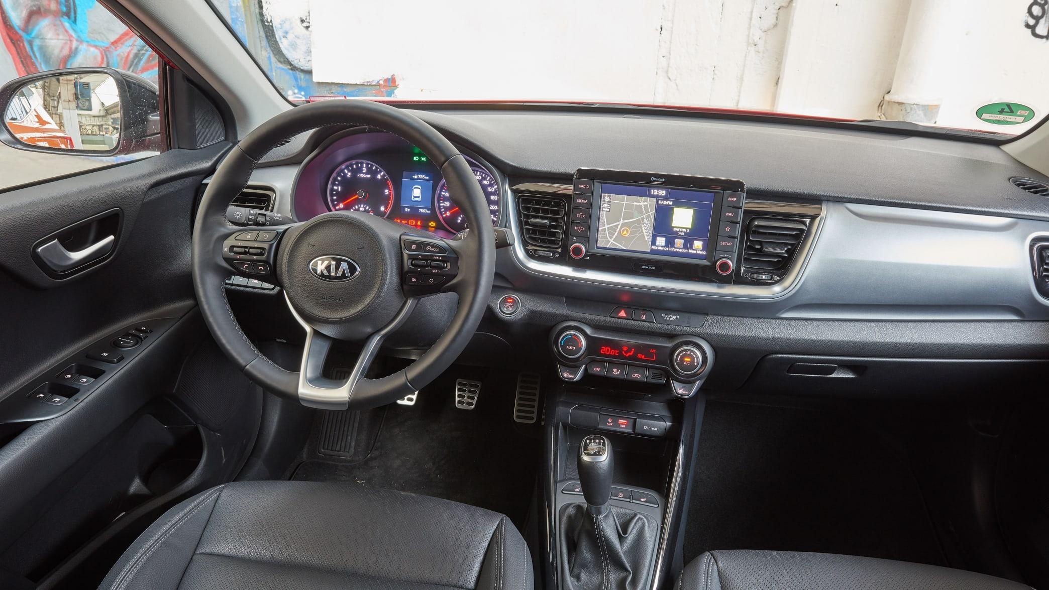 Cockpit eines Kia Stonic
