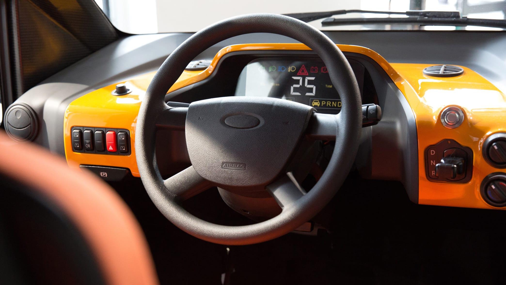 Cockpit des ACM City Elektromobil