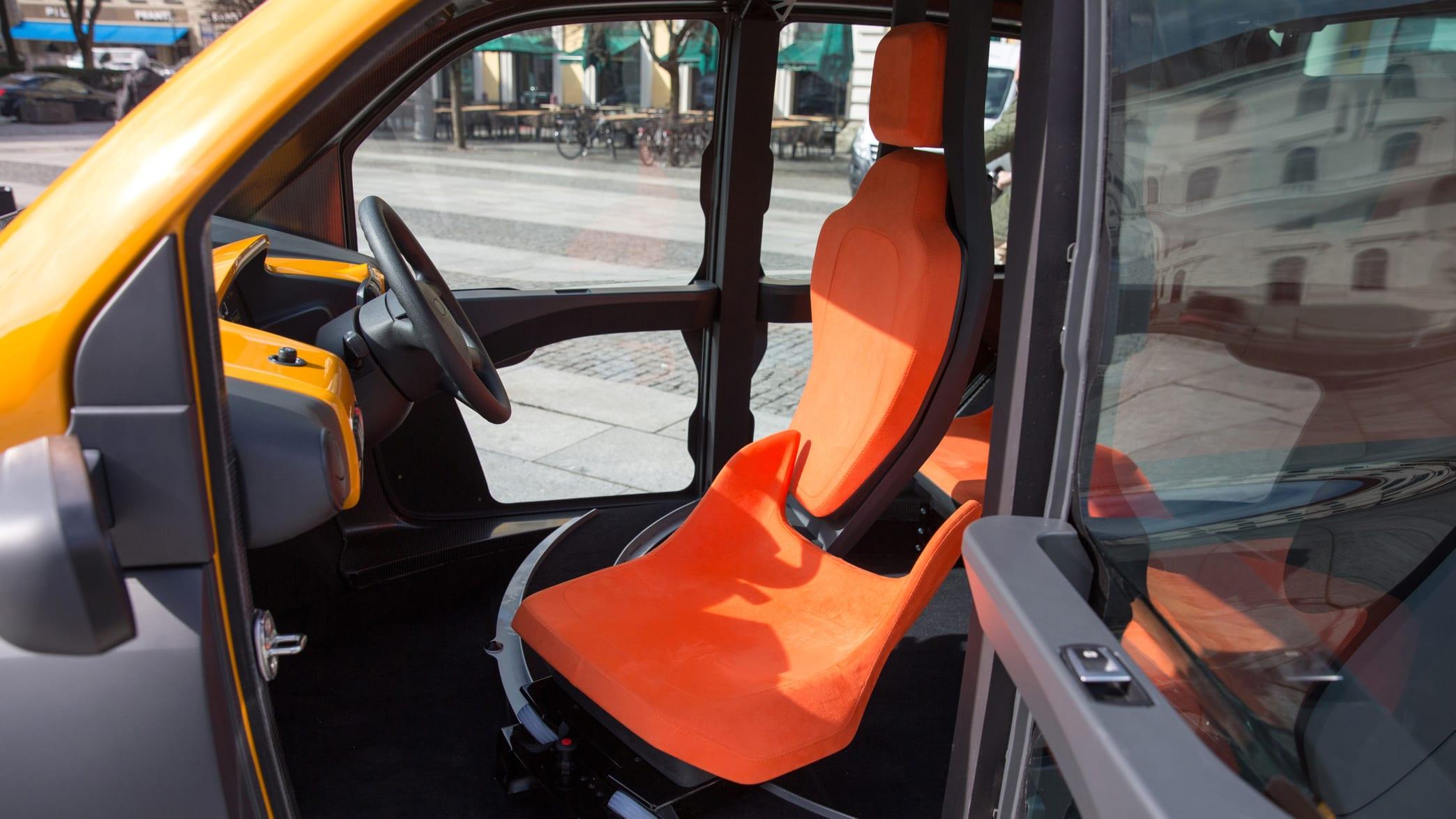 Innenraum des ACM City Elektromobil