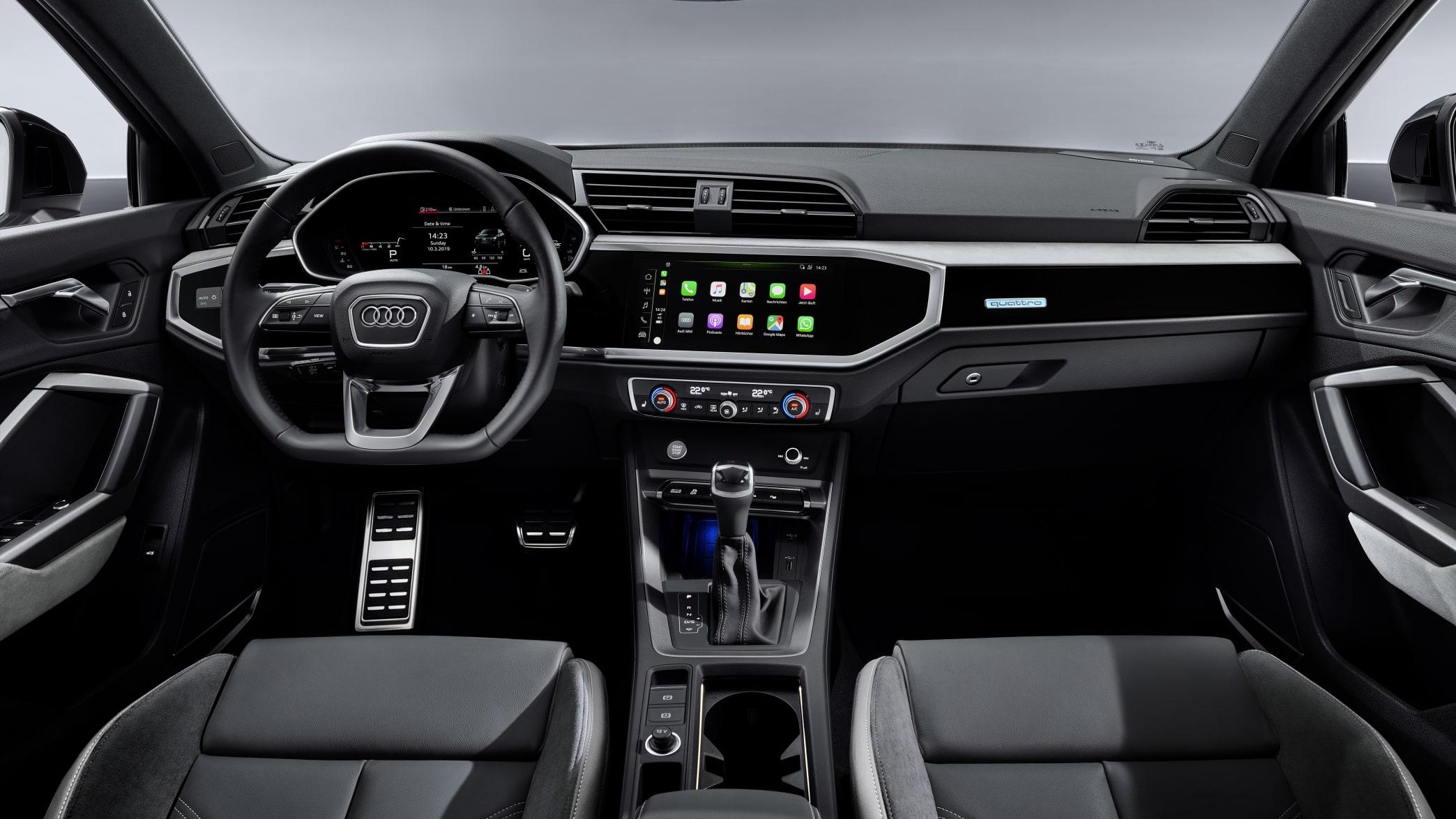 Blick ins Cockpit des Audi Q3