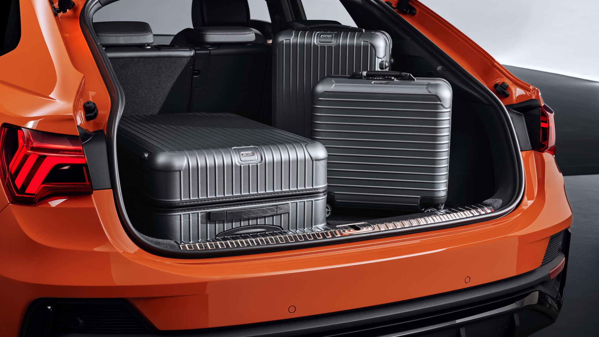 Blick in den geöffneten Kofferraum des Audi Q3 Sportback