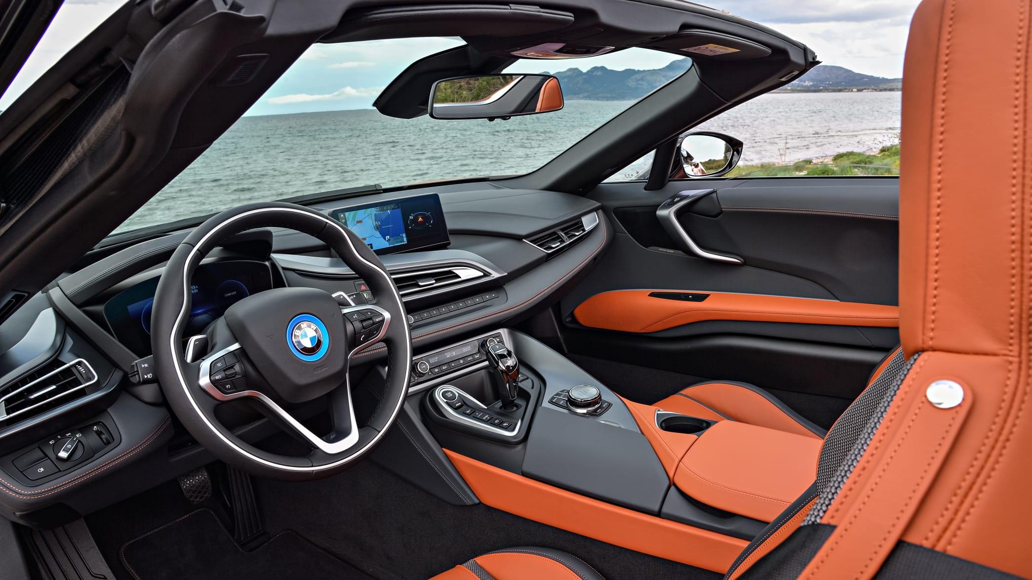 Cockpit des BMW i8 Roadster
