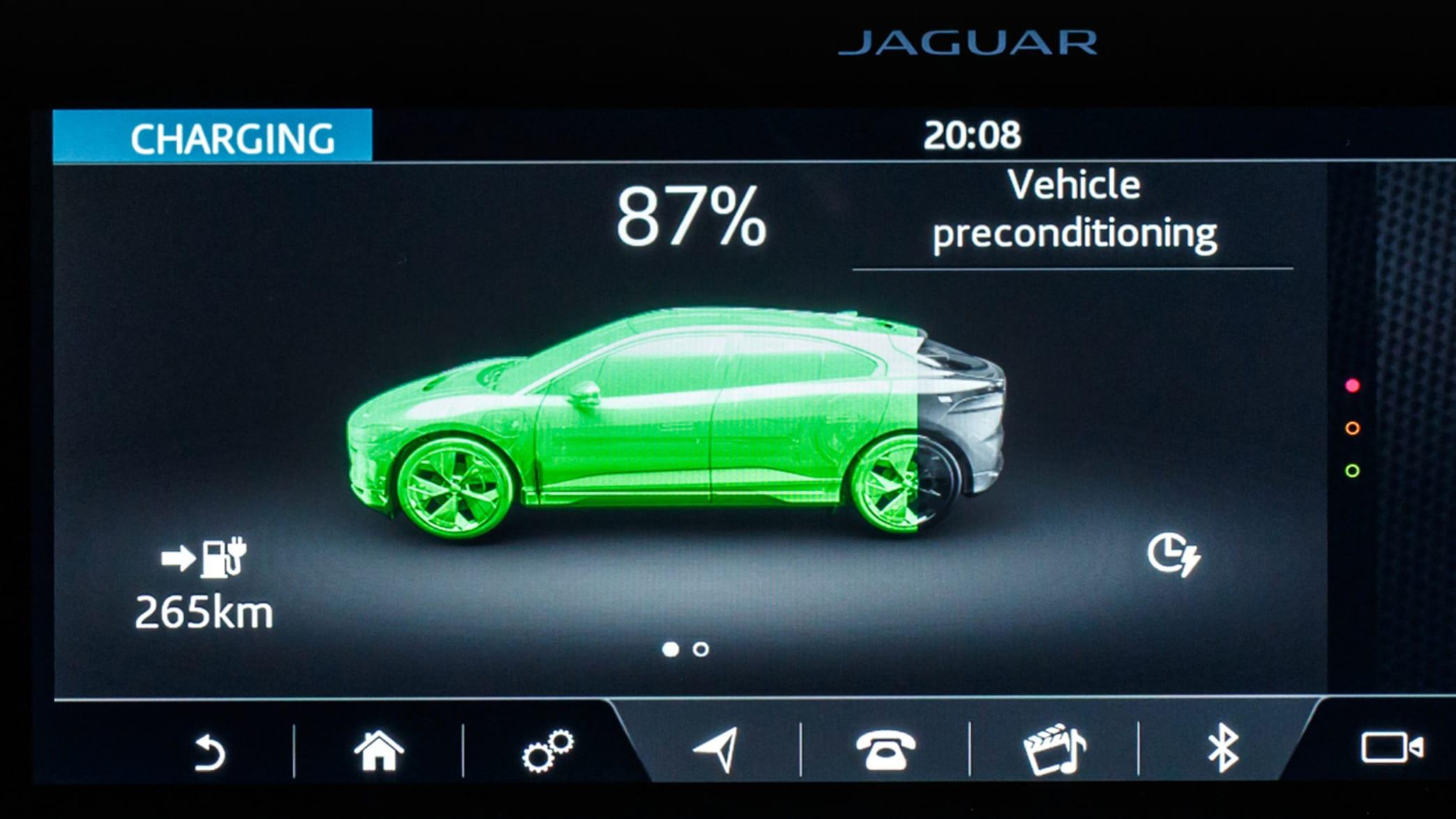 Display des Jaguar I-Pace