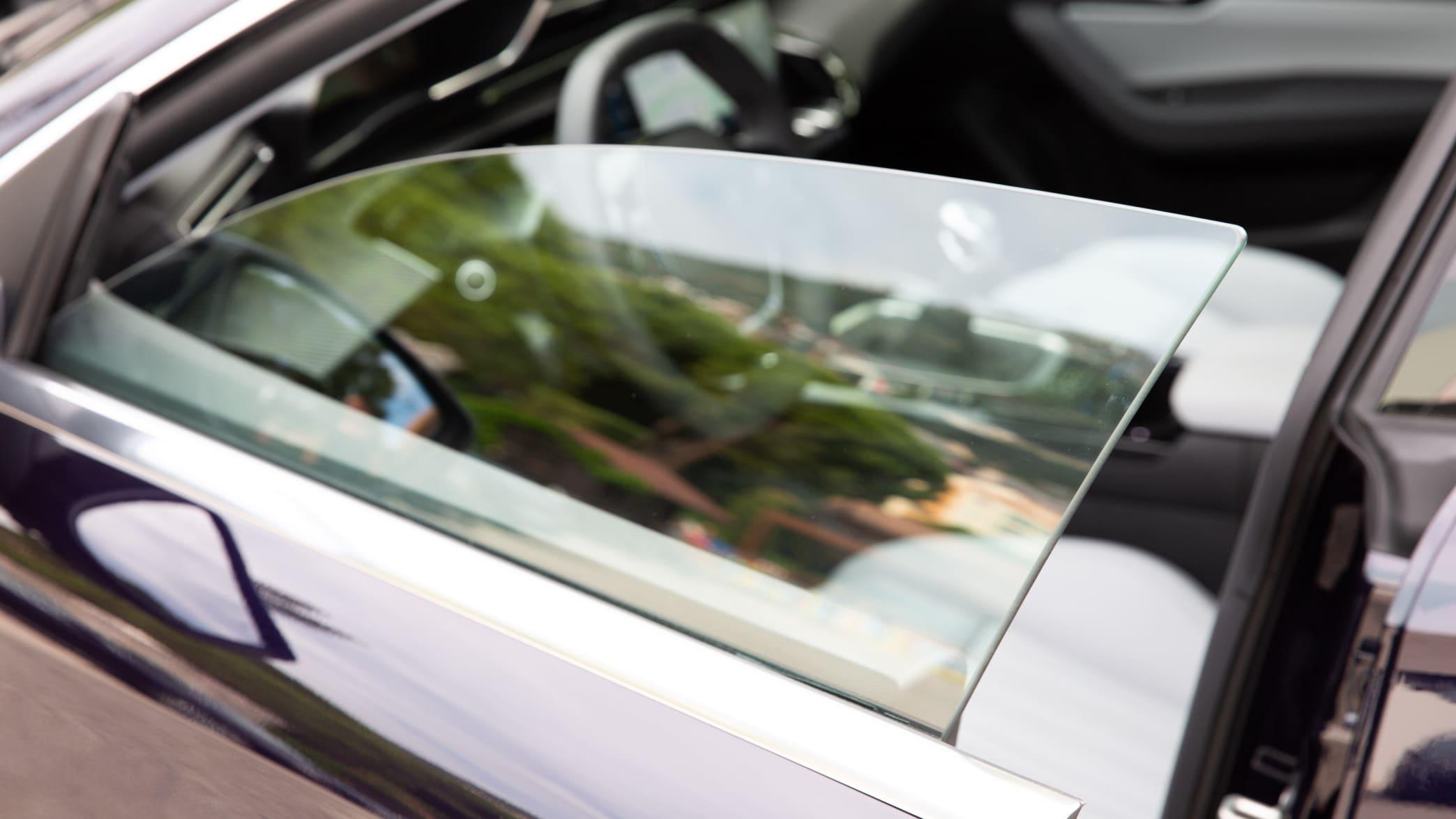 Seitenfenster eines Peugeot 508