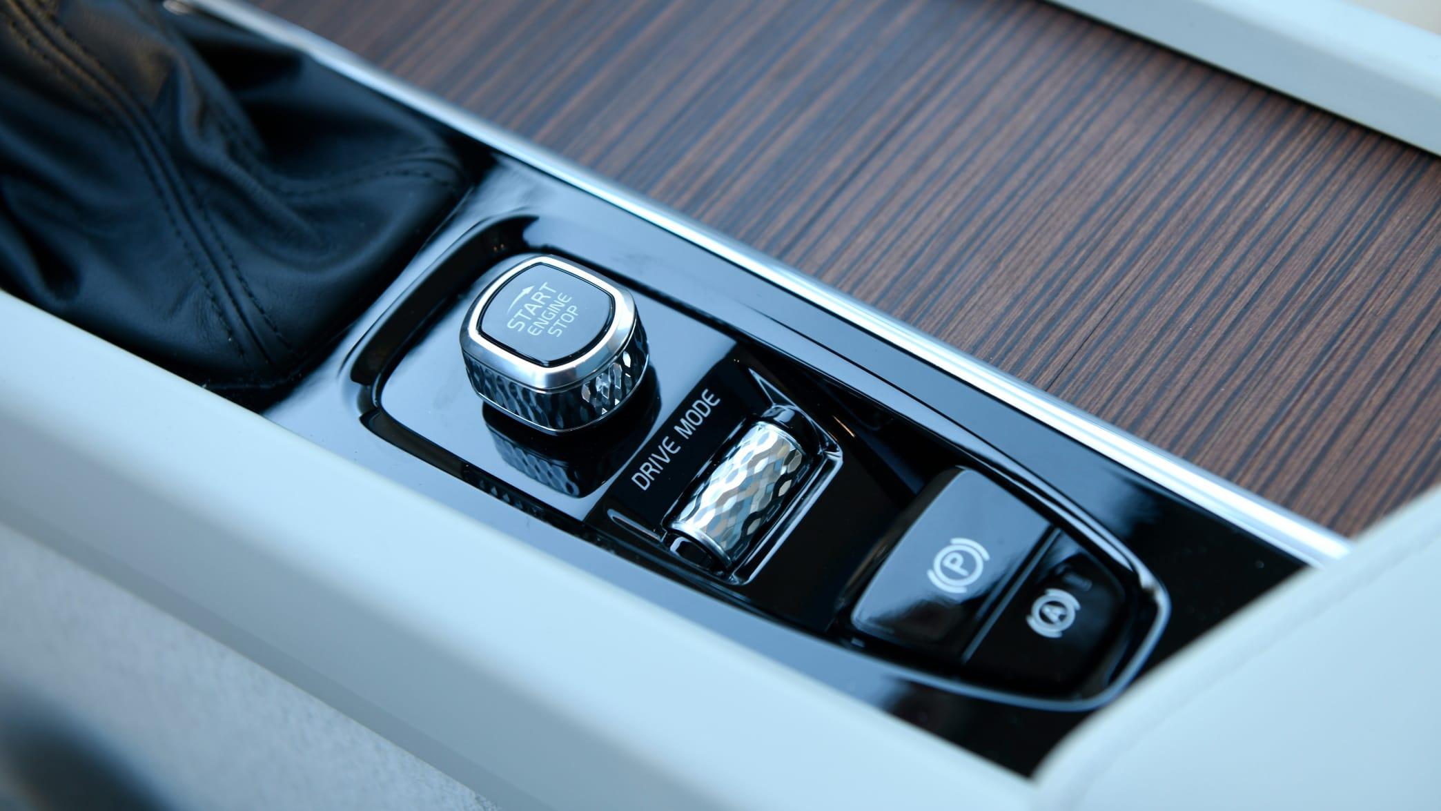 Mittelkonsole im Cockpit eines Volvo V60