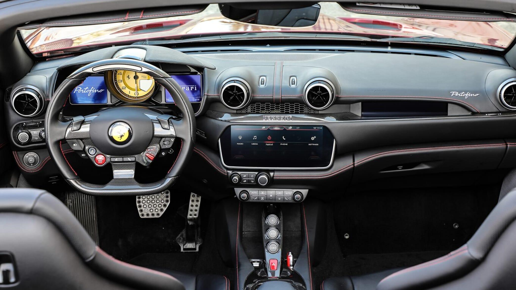 Cockpit des Ferrari Portofino