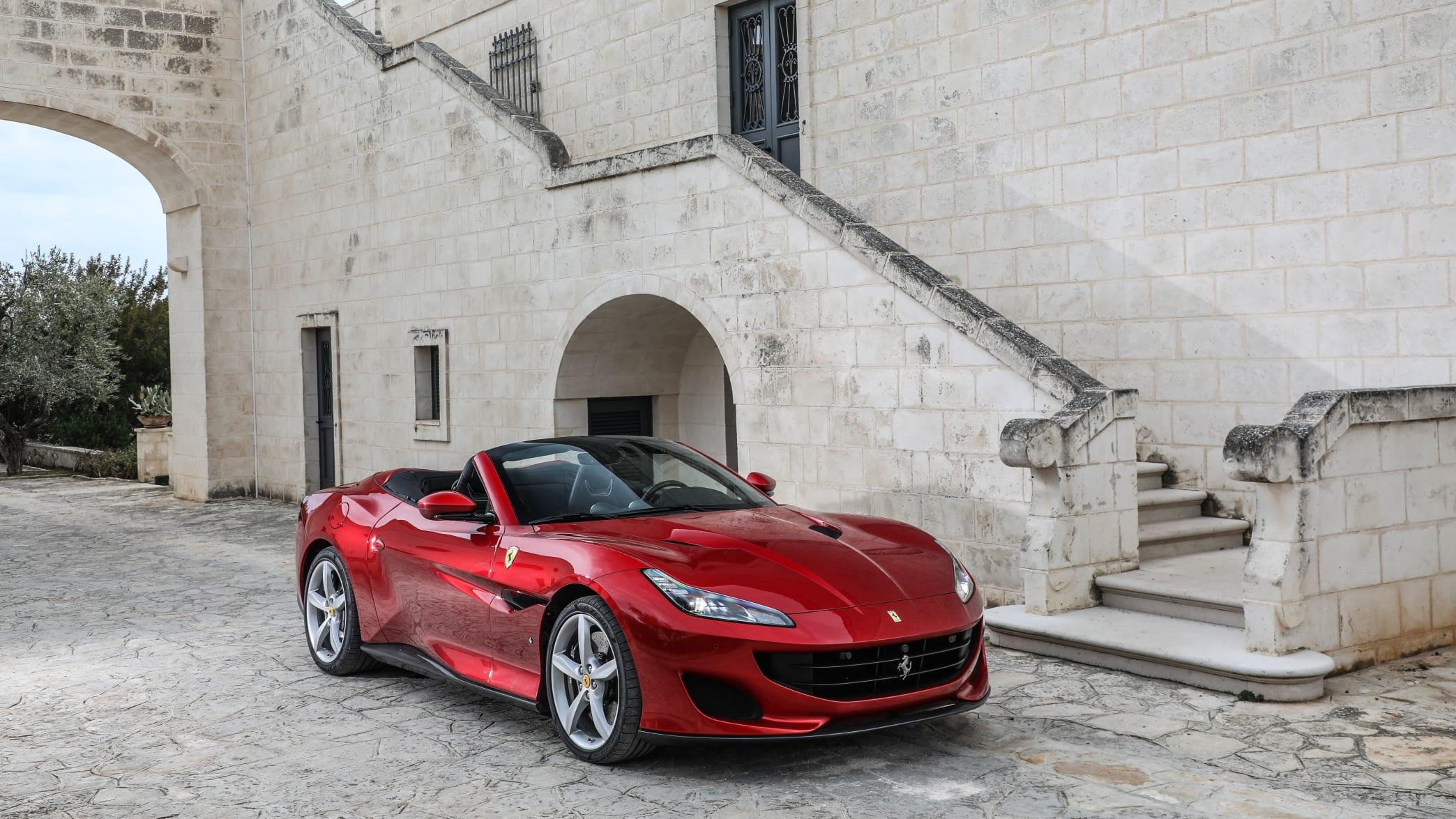 Ferrari Portofino stehend