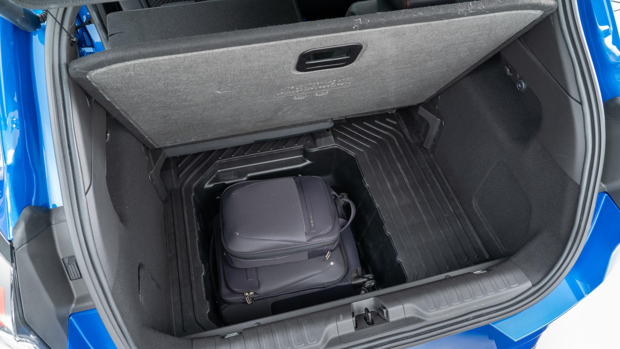 Ford Puma beladener Kofferraum