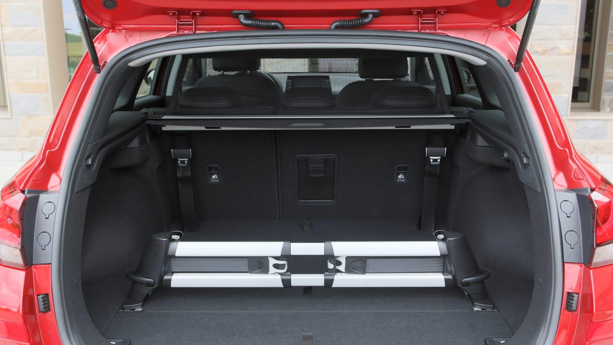 Blick in den geöffneten Kofferraum des Hyundai i30 Kombis