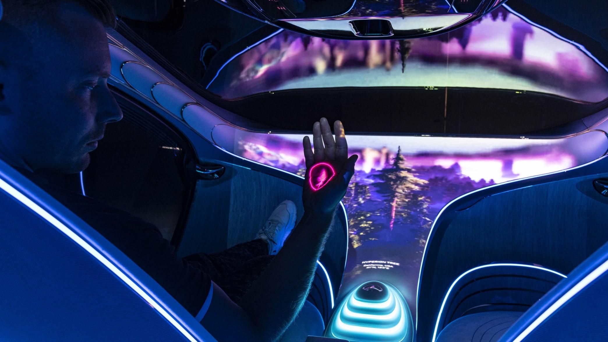 Autor ist begeistert vom Mercedes Vision AVTR Concept Car, ein Auto aus der Zukunft