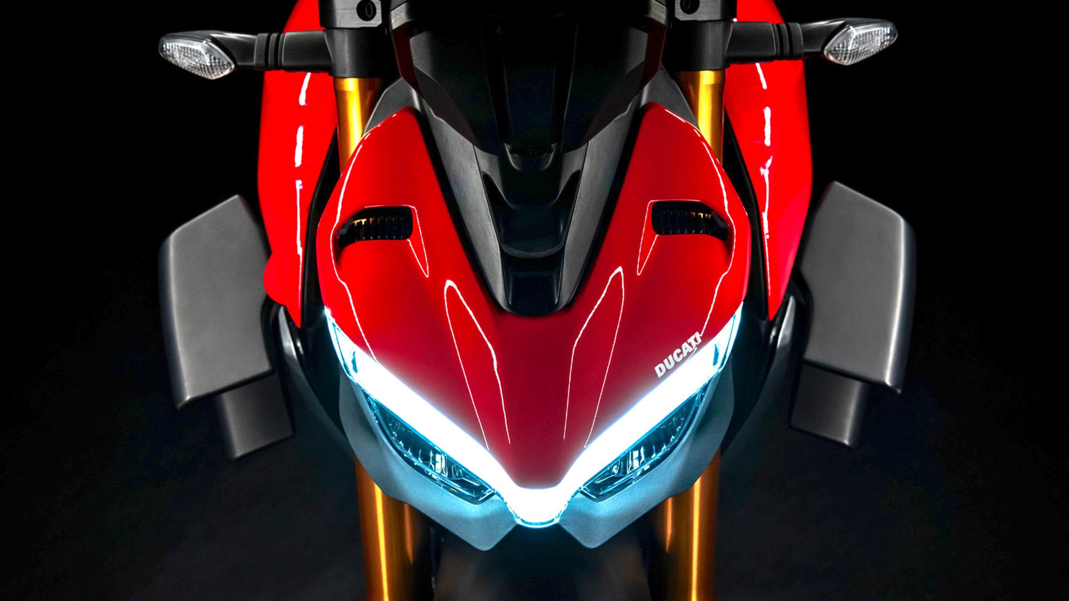 Scheinwerfer einer Ducati Streetfighter
