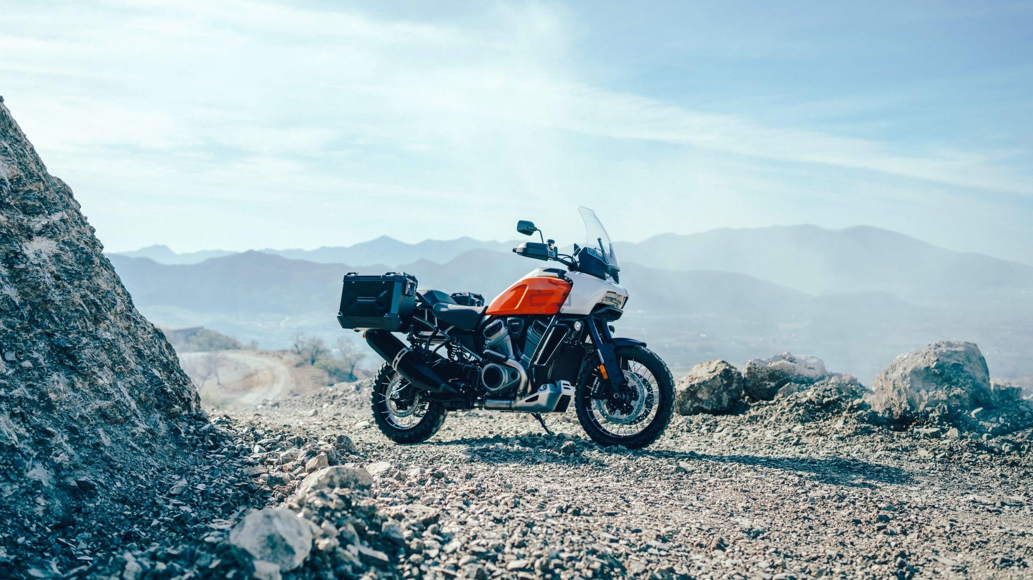 Harley Davidson Pan America stehend