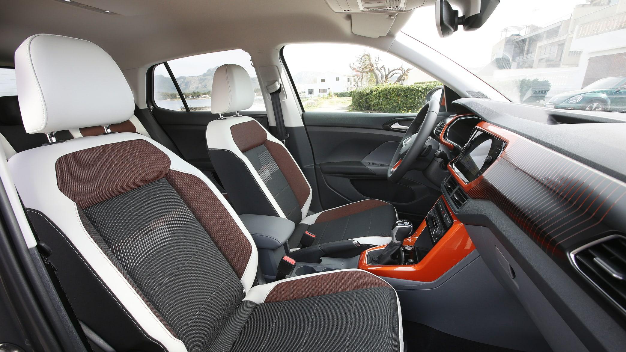 Cockpit eines VW T-Cross