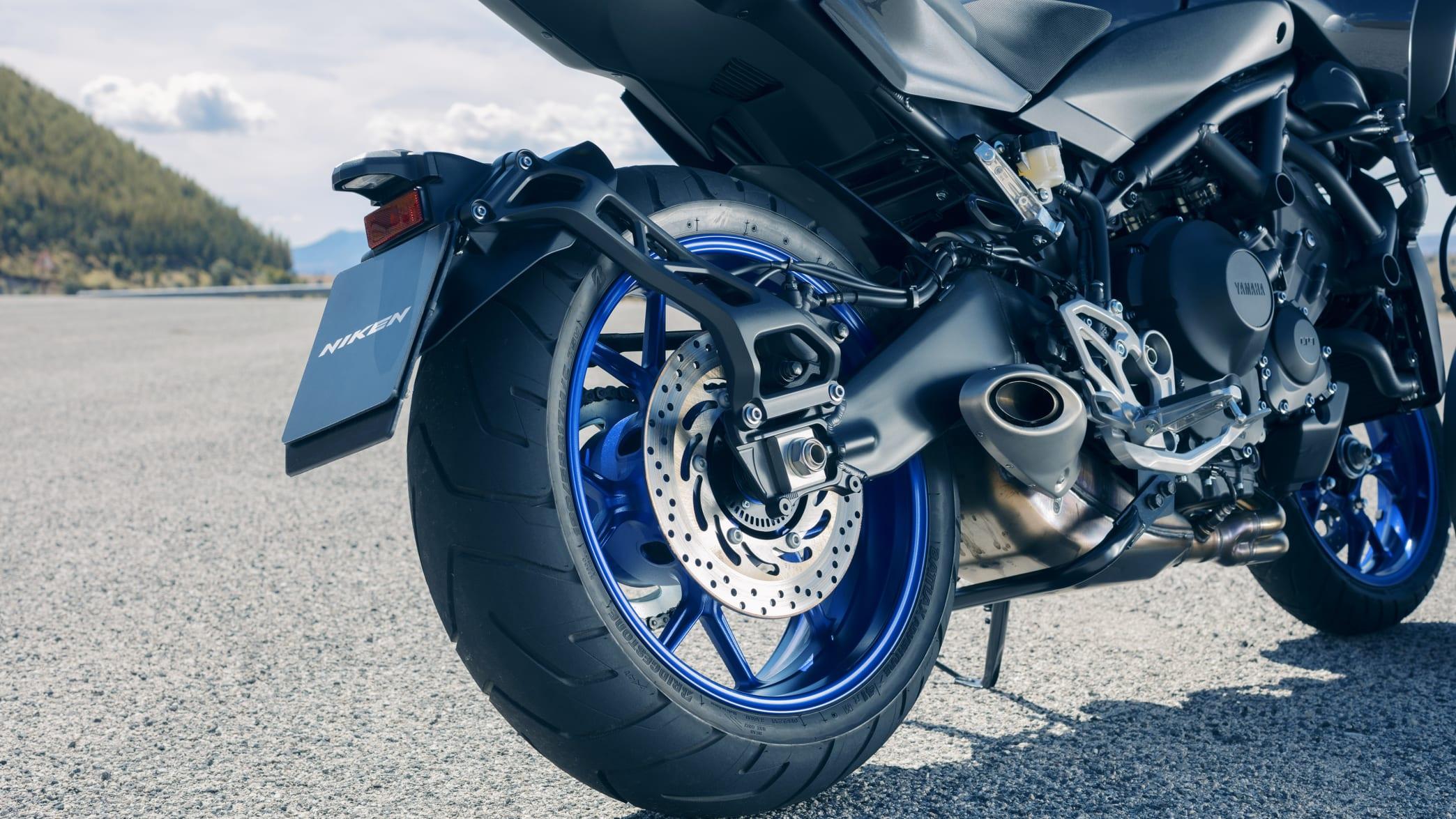 das hintere Rad der Yamaha Niken