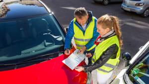 Ein Unfall in Europa erfordert das Ausfüllen des ADAC Unfallberichts