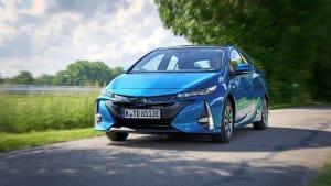 Fahraufnahme des Toyota Prius Hybrid