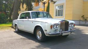 Frond und Seitenansicht eines Rolls Royce Silver Shadow