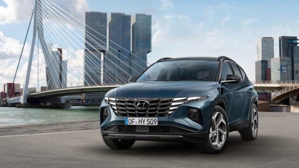Grauer Hyundai Tucson in der Vorderansicht