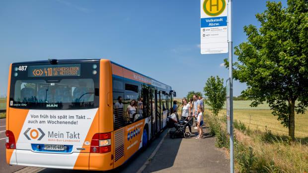 """Ein ganzes Bündel von Landesbuslinien verbindet das Harzvorland mit dem Süd- und dem Nordharz. Diese """"Mein Takt""""-Busse fahren verlässlich auch außerhalb der Schulzeiten"""