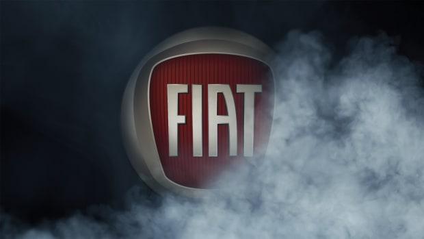 Fiat Logo zwischen Nebel