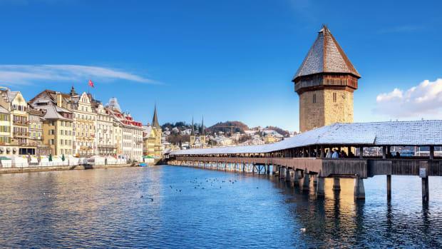 Kapellbrücke in Luzern im Winter