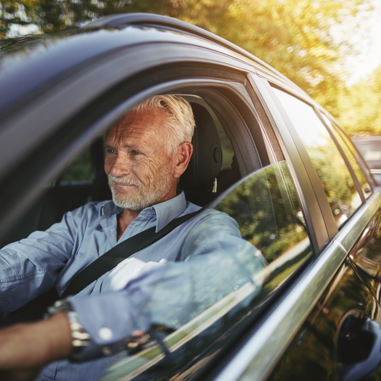 Autos für Senioren: Die besten Autos mit hohem Einstieg   ADAC