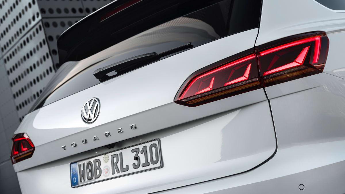 Heck eines weissen VW Touareg