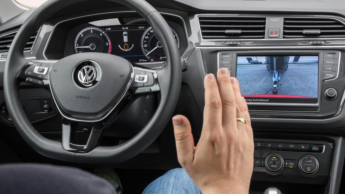 Cockpit eines VW Tiguan