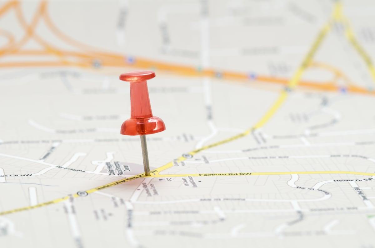 Karte mit Stecknadel