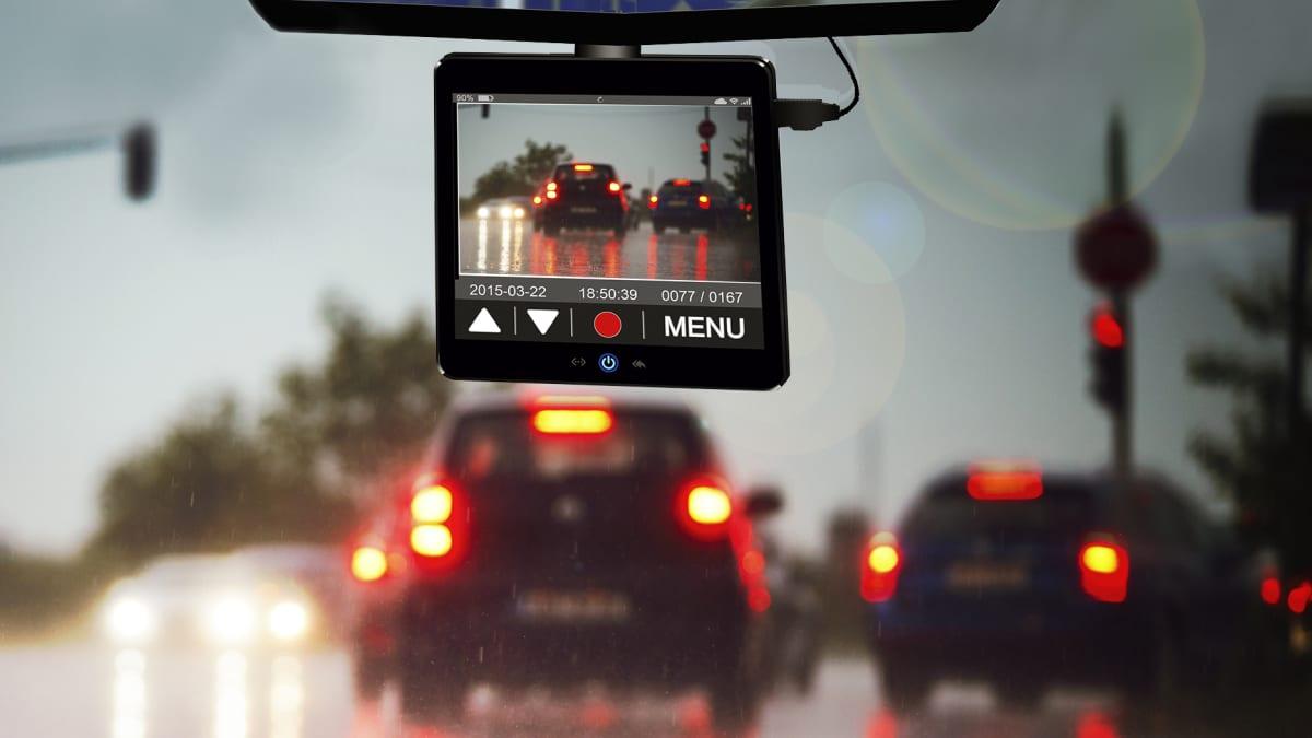 Dashcam im Cockpit eines Autos