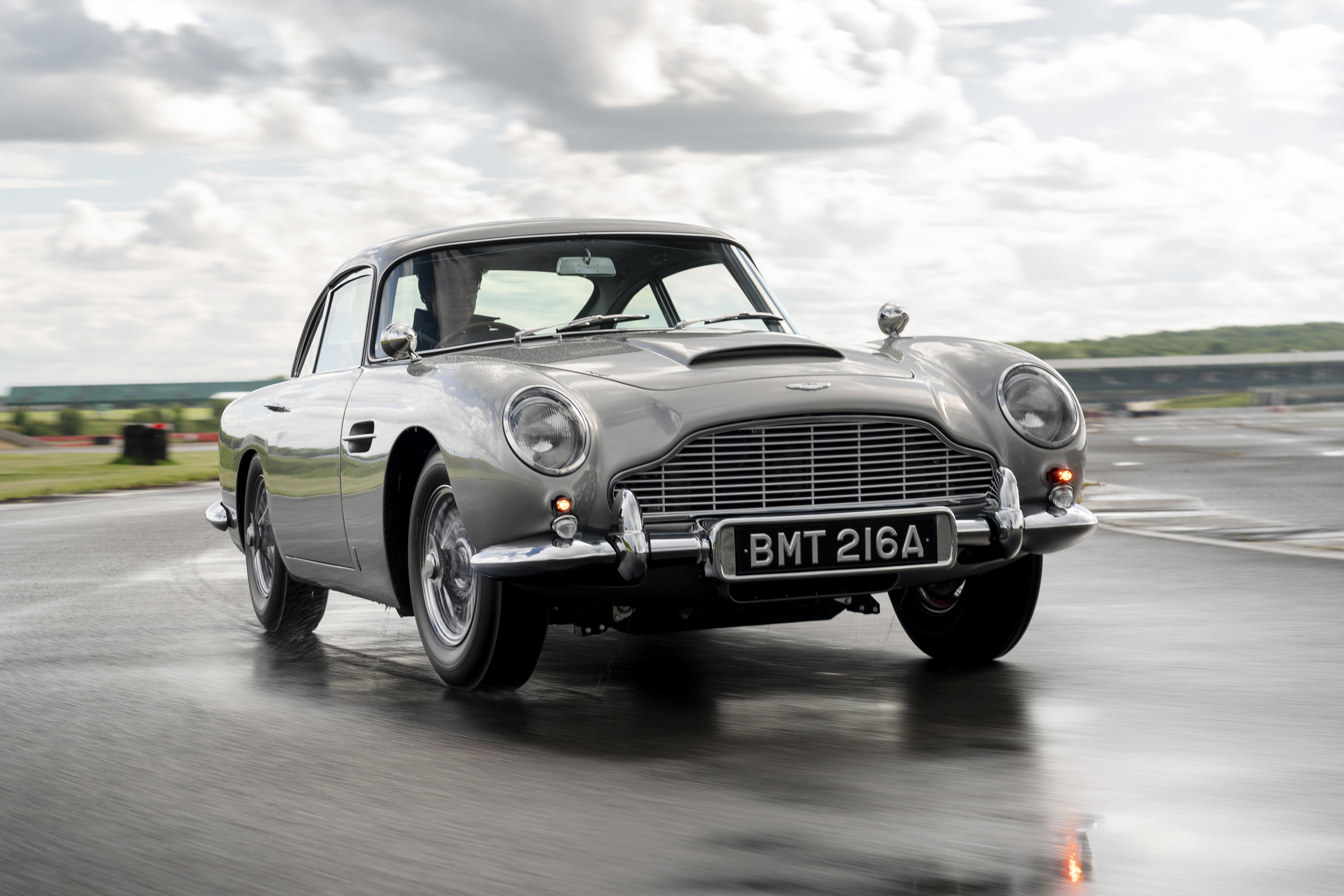 Aston Martin Db5 Goldfinger Eine Testfahrt Adac