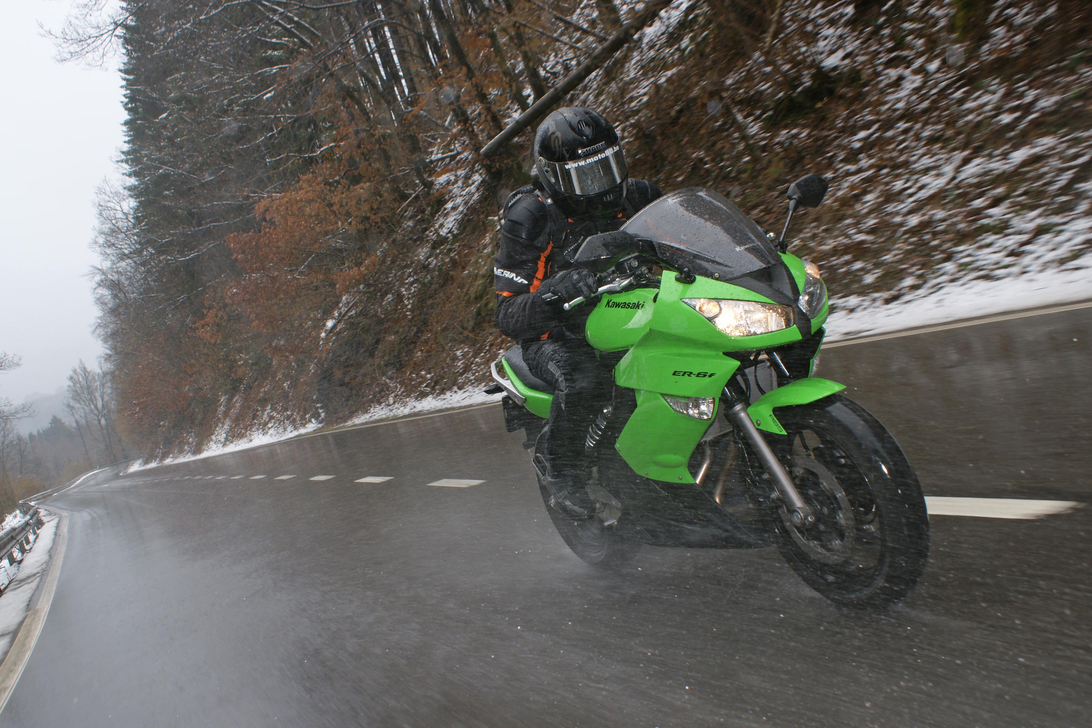 19+ Richtig bremsen mit dem Motorrad   ADAC Kollektion