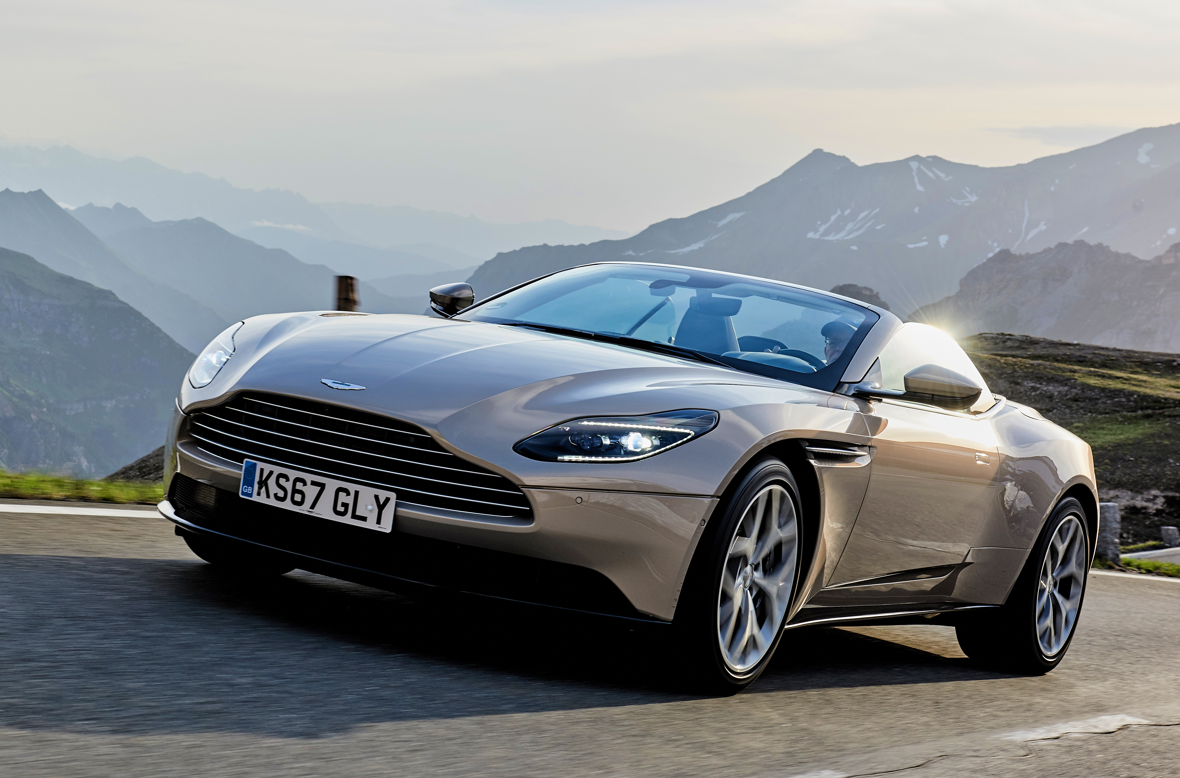 Aston Martin Db11 Cabrio Fahren Als Hochgenuss Adac